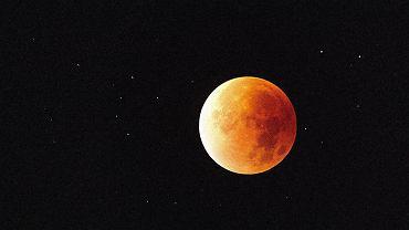 Księżyc w lipcu. 27 lipca będziemy mogli obserwować całkowite zaćmienie Księżyca