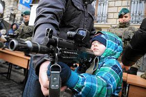 WOŚP bez mundurów? Wojsko da rosomaki, straż będzie pod TVP. A policja...