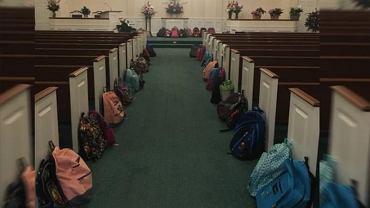 Chciała, by jej pogrzeb był inny. Zamiast kwiatów ludzie wzięli na niego plecaki