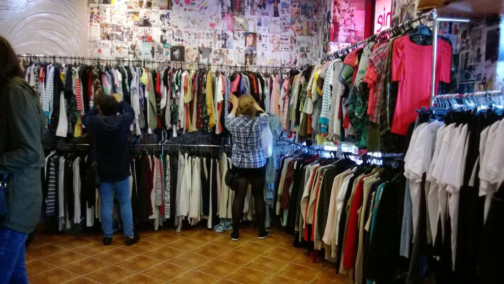 67c80f359dd82 Gdzie kupować tanie ubrania  Hugo Boss - królem second handu ...