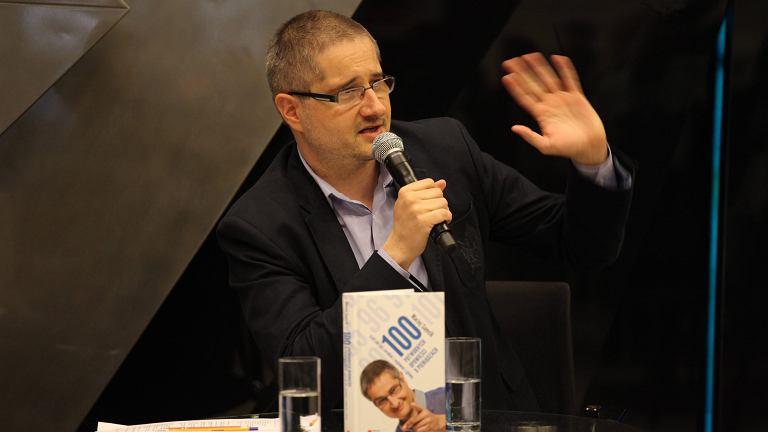 Maciej Samcik w czasie promocji jednej ze swoich książek, maj 2014 (od tego czasu napisał już nowe)