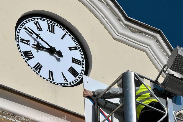 Zdjęcie numer 7 w galerii - Ratuszowa zagadka rozwiązana. Bydgoszcz ma nowy zegar [ZDJĘCIA]