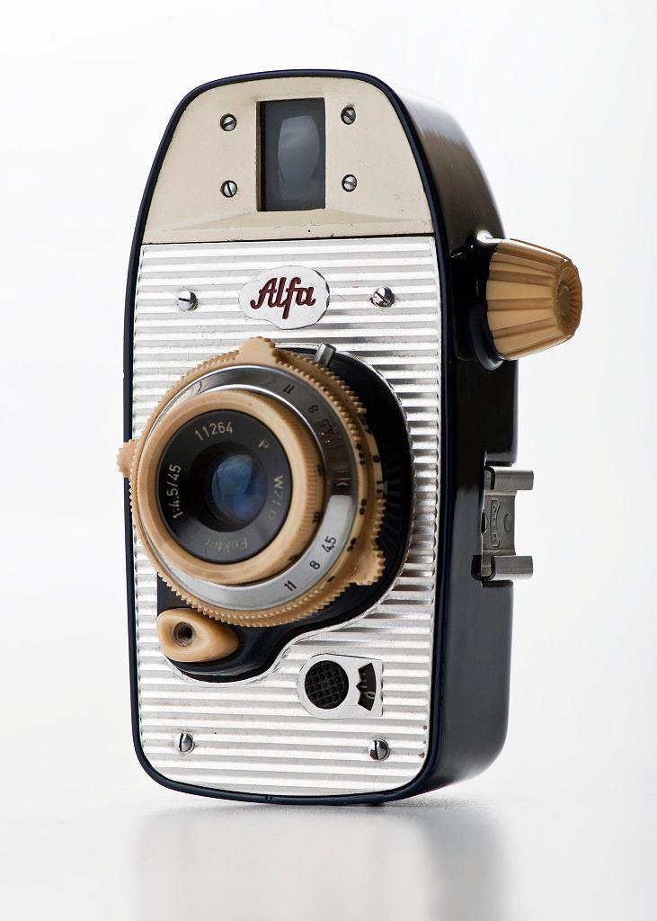 Aparat fotograficzny Alfa, 1959, proj. Krzysztof Meisner, Olgierd Rutkowski, prod. Warszawskie Zakłady Fotooptyczne. Galeria Wzornictwa Polskiego / MICHAŁ KORTA