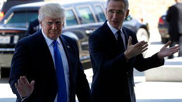 Prezydent USA Donald Trump i sekretarz generalny sojuszu Jens Stoltenberg szczytu Nato w Brukseli