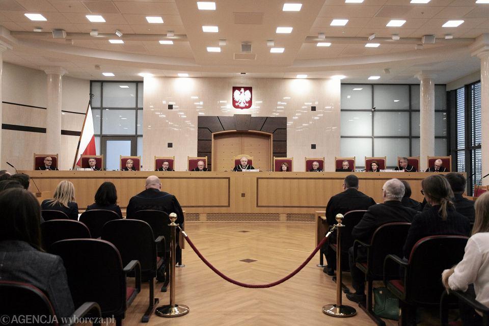 65 proc. ankietowanych jest za publikacją przez PiS wyroku Trybunału Konstytucyjnego z 9 marca tego roku - wynika z sondażu Millward Brown dla