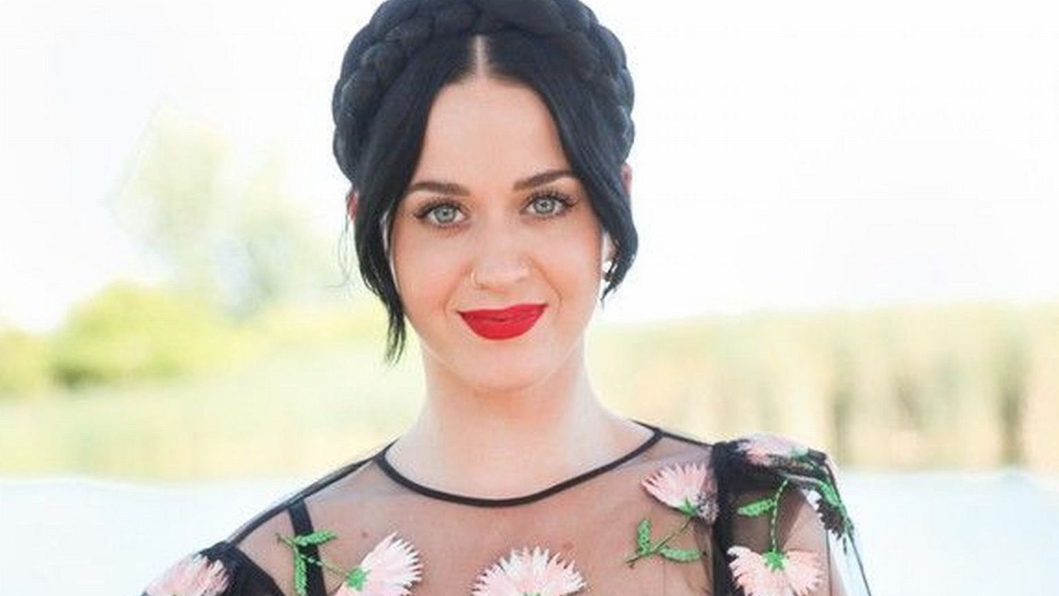 is katy perry dating anybody 27082017 what's the deal with katy perry and ex-boyfriend orlando bloom are they dating are they back together.