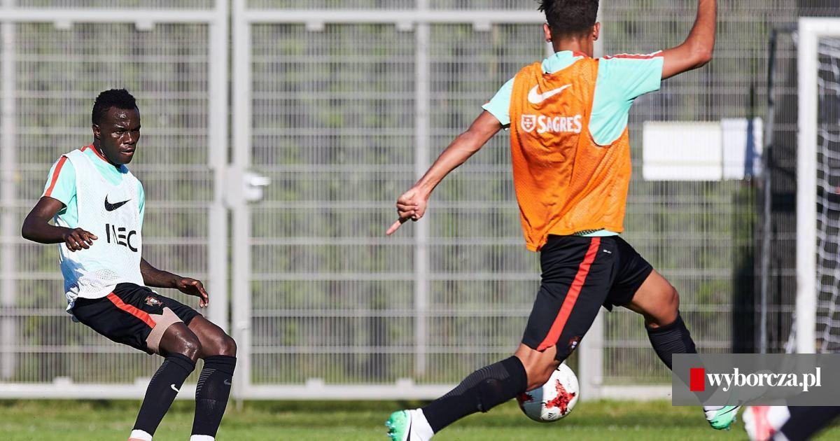 9998b6923 Euro U21. Piłkarze reprezentacji Portugalii trenowali w Gdyni - zdjęcie nr  15