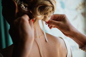Modne fryzury na wesele - sprawdź, jak łatwo zrobić je w domu