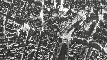 Rejon ul. Oławskiej i Traugutta we Wrocławiu na zdjęciu lotniczym z 1947 roku