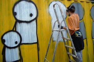 Graffiti Stika warte tysiące funtów mają wrócić do Gdańska