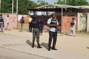 Nigeria. Znaleziono 10-letni� dziewczynk� opasan� �adunkami wybuchowymi