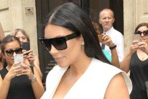 Kardashian ho�duje zasadzie: im cia�niej tym lepiej. Tym razem ze skutkiem raczej op�akanym