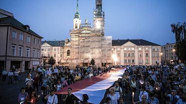Protesty ws. ustawy o Sądzie Najwyższym. 'Łańcuch Światła 2018' odbędzie się m.in. w Warszawie, pod Pałacem Prezydenckim