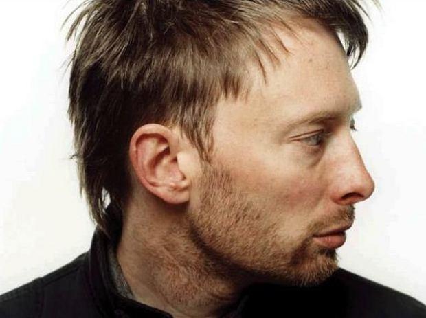 Nagranie z niecodziennego występu lidera Radiohead, można obejrzeć w sieci.