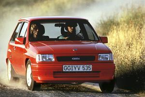 Opel Corsa A (1983-1993) - opinie Moto.pl