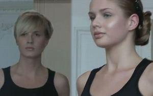 Uczestniczki Top Model 2 na pokazie VH by Valerian Hughes w Pary�u
