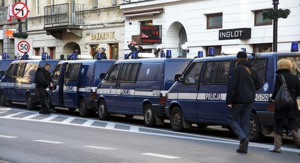 Policyjne radiowozy na Nowym �wiecie