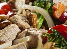 Kurczak smażony z warzywami i orzechami nerkowca - ugotuj
