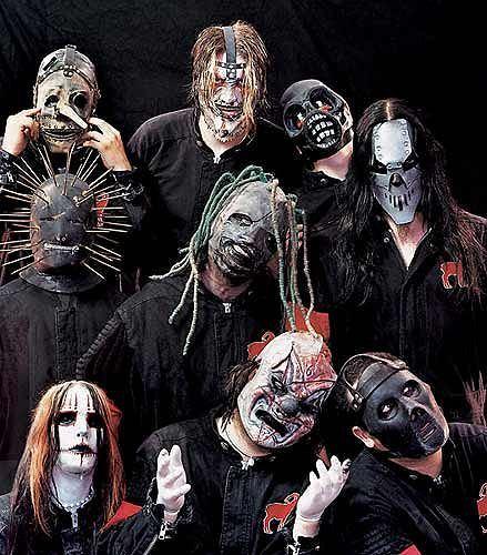 """Zespół Slipknot opublikował oficjalny, koncertowy klip do nagrania """"The Devil In I""""."""