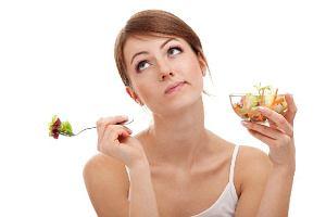 Dieta 1000 kalorii - jak bezpiecznie stosować tę dietę? [Efekty, Jadłospis, Opinie]