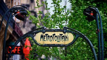 Paryż wycieczki, zejście do metra