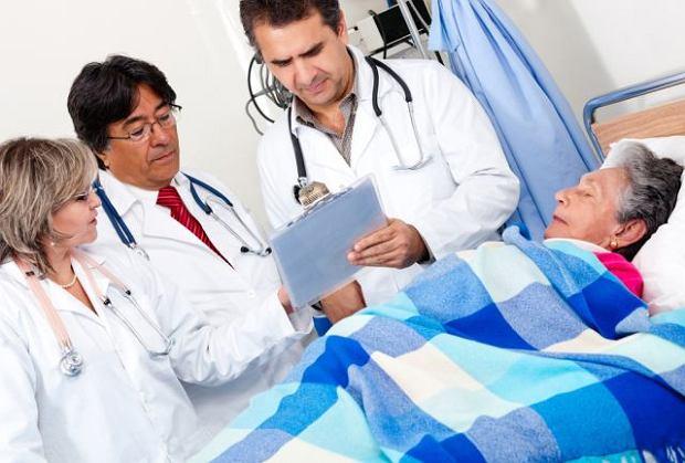 Ostre zapalenie p�cherzyka ��ciowego dotyka 10-20% chorych na kamic� p�cherzyka ��ciowego i jest jej najcz�stszym powik�aniem