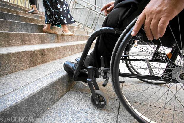 Niepełnosprawny na wózku