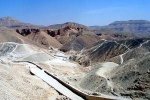 Archeologia: W Dolinie Kr�l�w znale�li grobowiec z mumi�. To gr�b pie�niarki