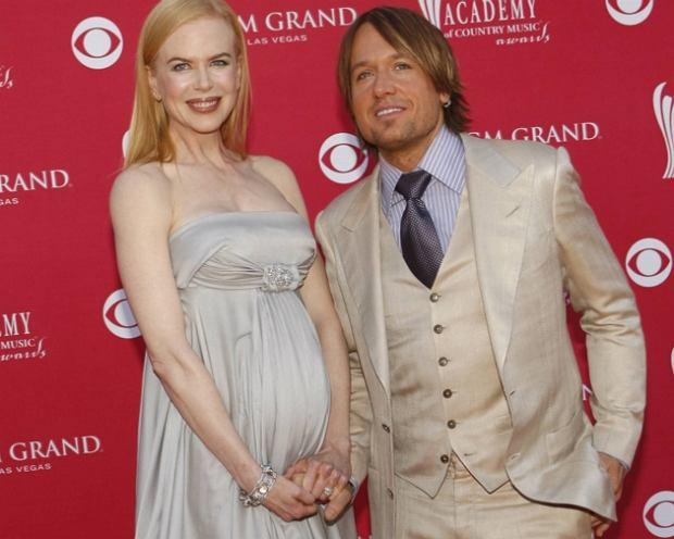 Nicole Kidman pozowa�a nago w ci��y
