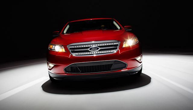 Ford Taurus SHO (2010)