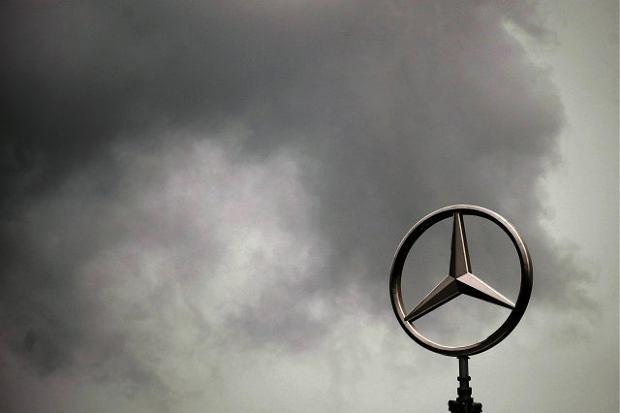Ciemne chmury nad Daimlerem