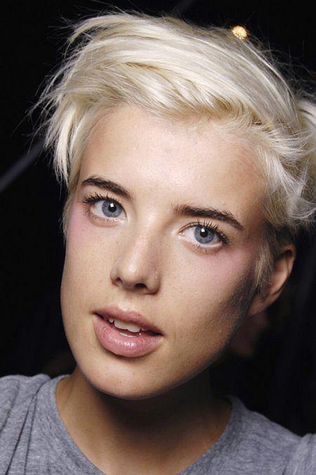 Agyness Deyn Make Up Beauty In 2019 Short Hair Styles