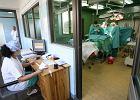 Szpitale mog�yby robi� wi�cej, ale nie chc�