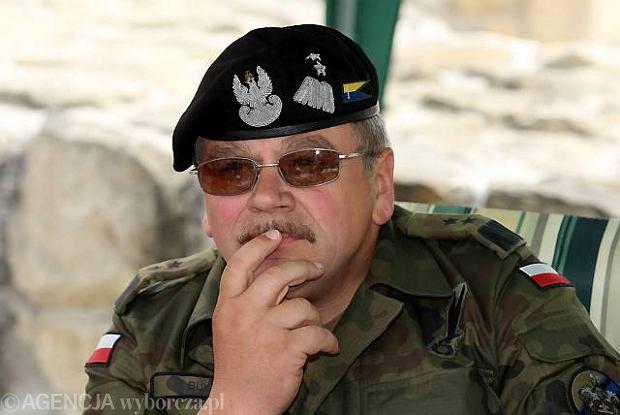 Gen. Buk nowym dow�dc� Wojsk L�dowych
