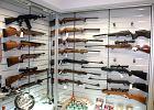 Polacy chc� przes�ucha� liba�skiego handlarza broni�. Zapytaj� o Bumar