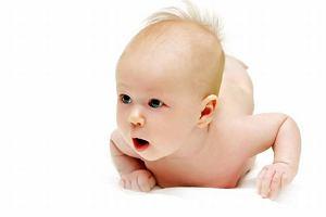 Czwarty miesi�c. Rozw�j spo�eczny i emocjonalny dziecka. Jak go wspiera�?