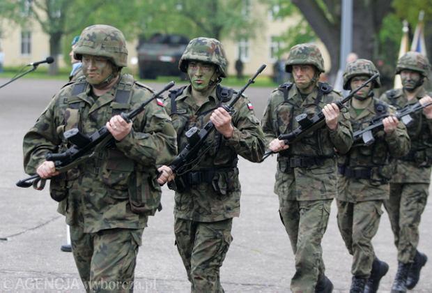 Wojsko zatrudni od zaraz tysi�ce ch�tnych