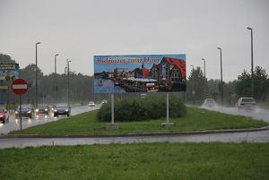 http://bi.gazeta.pl/im/7/8315/z8315407M,Tablica-stanela-w-sasiedztwie-stacji-paliw-Neste-p.jpg