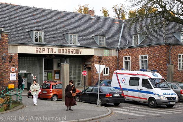 Szpital wojskowy sam się naprawia. PUM go nie chce