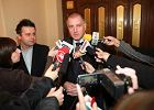 22 listopada 2010, Rafa� Dutkiewicz informuje dziennikarzy o �r�dle wycieku danych