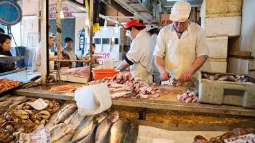 Mercado Central w Santaigo. To właśnie tu langusty są najświeższe, a ceviche z surowej ryby najlepsze.