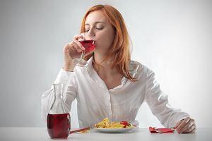 Osoby predysponowane do alkoholizmu narażone na otyłość