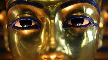 Złota maska mumiowa Tutanchamona