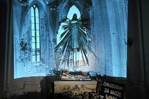 Chrystus nad rozdart� Polsk�. Zobacz groby pa�skie