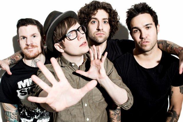"""Zespół Fall Out Boy opublikował teledysk do singla """"Irresistible""""."""