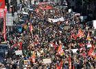 """Francja: strajki, manifestacje i Macron z """"okienkiem na reformy"""""""