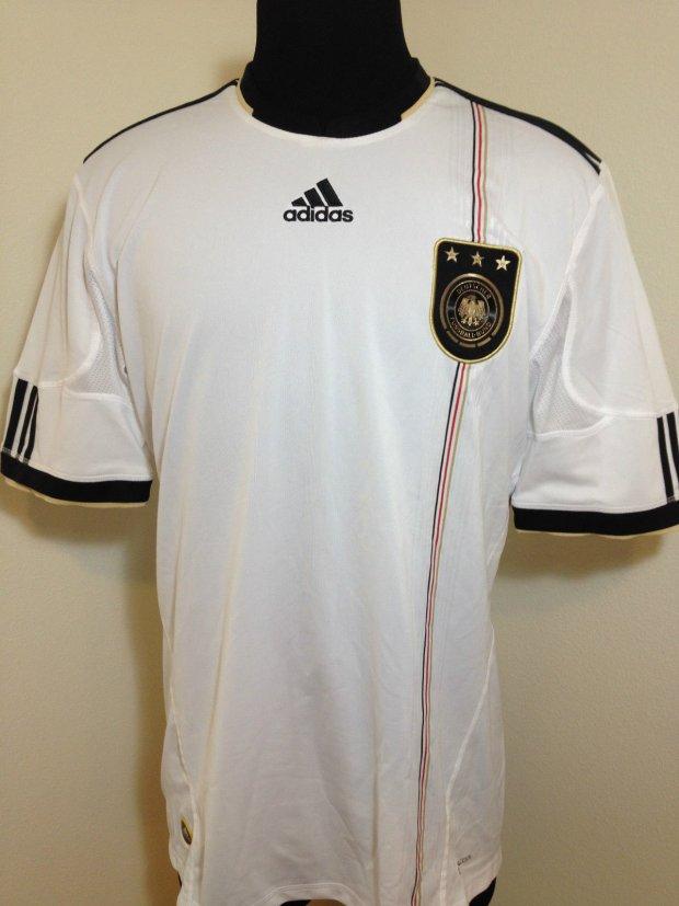 83cfdb66d9bd Zdjęcie numer 13 w galerii - Koszulki reprezentacji Niemiec. Jak zmieniały  się przez lata