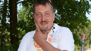 """Adam Kraśko w niedzielę uczestniczył VIP CROSS 2016. Najsłynniejszy uczestnik """"Rolnik szuka żony"""" w końcu zaprezentował swoją nową odchudzoną sylwetkę w pełnej okazałości. Kraśko schudł już 20 kg.  Zobaczcie, jak się zmienił."""
