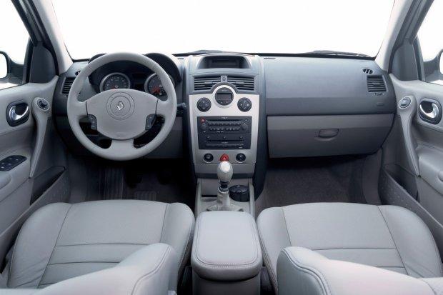 Renault Megane II - wnętrze