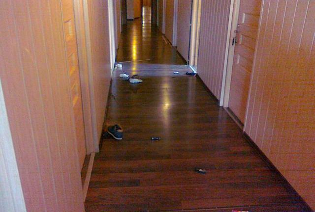 Policyjni antyterroryści weszli do pokoju hotelowego, w którym zabarykadował się jeden z klientów
